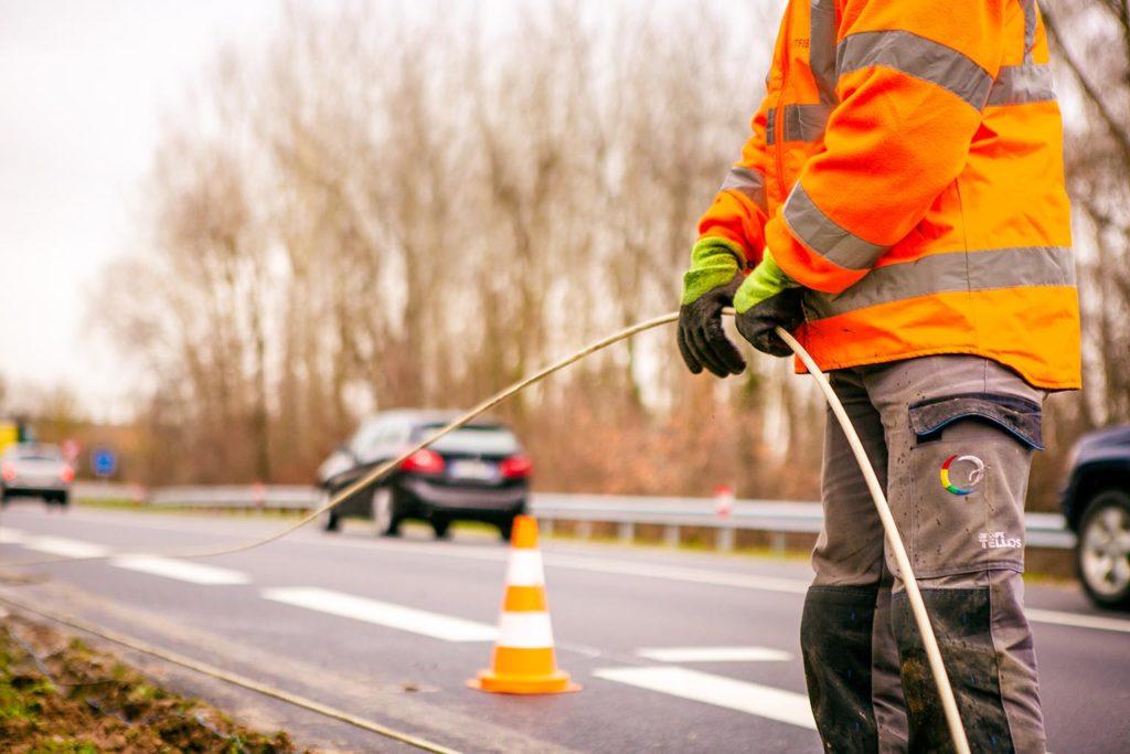 chantier extérieur-déploiement réseau fibre optique-smartfib